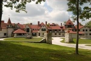 Americas-Northeast-Hotel-Elm_Court_Estate-Lenox_MA_448_300_c1_center_center