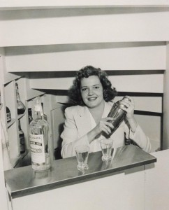 suzy in bar2
